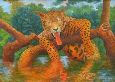 Довольный леопард показывает язык